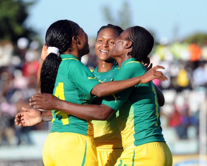 Sanah Mollo of South Africa celebrates with Amanda Dlamini of South Africa and Noko Matlou of South Africa. ©Pic Sydney Mahlangu/BackpagePix