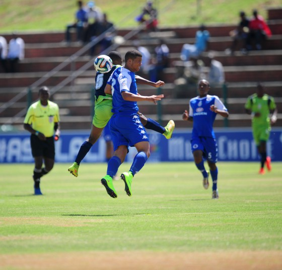 Brendon Dean of Supersport United and Kobamelo Kidisang of Platinum Stars during the Multichoice Diski Challenge match at the King Zwelithini Stadium.  (Sabelo Mngoma/BackpagePix)