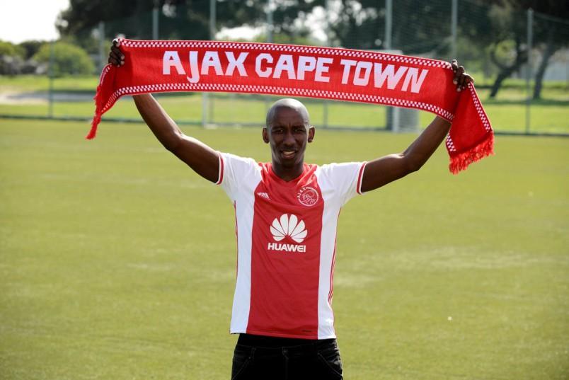 Mark Mayambela has joined Ajax cape Town.