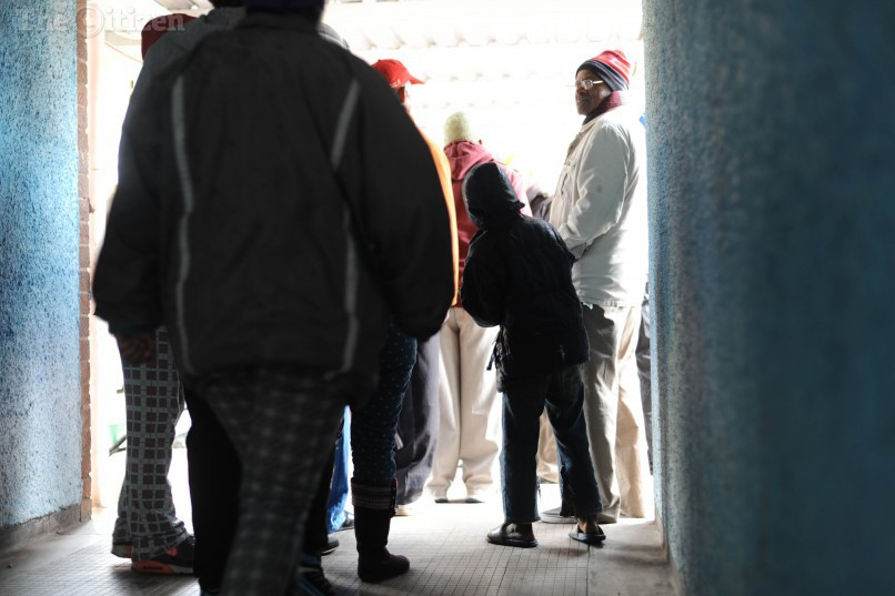 Residents queue up to vote, 3 August 2016, in Helenvale, in Nelson Mandela bay, Port Elizabeth, during the local government elections. Picture: Alaister Russell