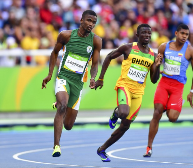 Anaso Jobodwana of South Africa runs the bend in the heats of the mens 200m during the morning session on Day 11 Athletics of the 2016 Rio Olympics at Olympic Stadium on August 16, 2016 in Rio de Janeiro, Brazil. (Photo by Roger Sedres/Gallo Images)