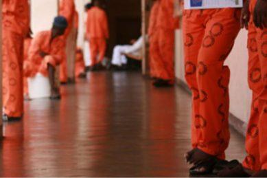 Inmate stabs prison warder at Johannesburg court
