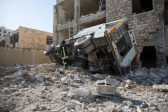 Italy PM vows to restore quake towns to former glory