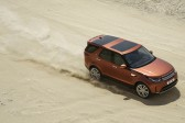 Redesigned Land Rover Discovery gets more tech