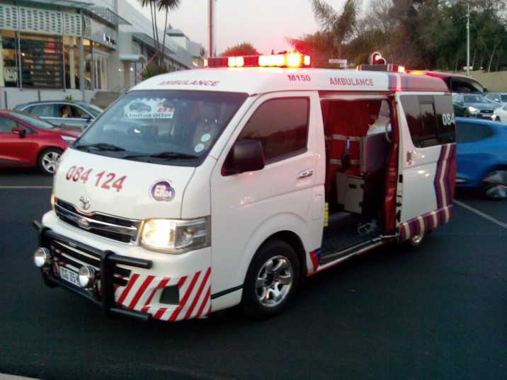 ER24 paramedics attend to the scene.