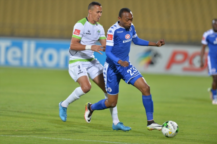 Thabo Mnyamane of SuperSport United and Henrico Botes of Platinum Stars during the Absa Premiership match between Platinum Stars and SuperSport United at Royal Bafokeng Stadium on August 24, 2016 in Rustenburg, South Africa. (Photo by Lefty Shivambu/Gallo Images)