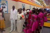 Pics: Wedding at a Shoprite