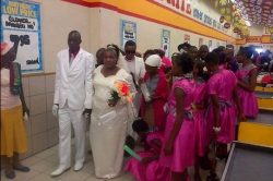 Pics: Wedding at a Shoprite