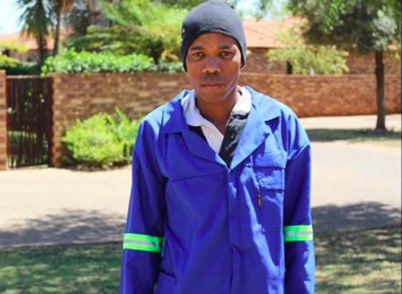 The extraordinary gardener, Mpho Nkona's speedy reaction saved a resident's life. Centurion Rekord.