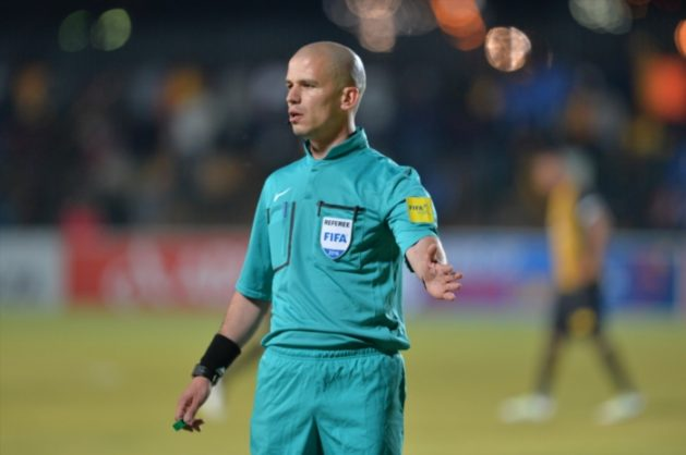 Referee, Victor Gomes (Photo by Lefty Shivambu/Gallo Images)
