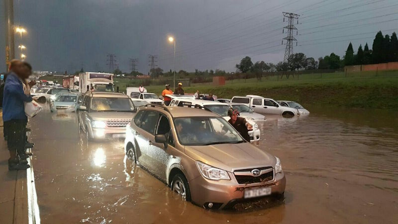 Paramedics warn motorists to avoid the N3 highway. Picture: Emer-G-Med.