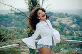 Kelly Khumalo trends for dark armpits and saying she'll 'murder' Idols hopeful