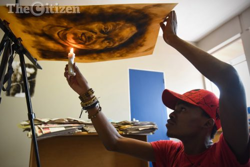 Smoke artist Anathi Nkanyuza creates a art piece following his interview with The Citizen in Tshwane, 16 November 2016. Picture: Refilwe Modise
