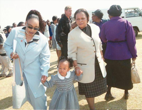 FILE PICTURE - Matina Khoza (R), Sonono Khoza (L) with Thando Motaung (M). (Photo by Gallo Images/City Press/Mpho Mphoto)