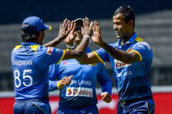 Blow by blow: Sri Lanka make meal of low chase but prevail in 2nd T20