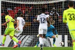 Gent foil Spurs, Lyon cruise into last 16