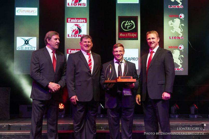 Julian Redelinghuys celebrates being named the Lions' Player of the Year. Photo: Deon van der Merwe/GLRU.