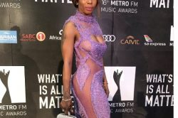 Did Kelly Khumalo forget to wear underwear at the Metros?