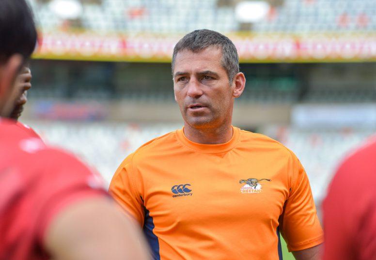 South Africa retain coach Allister Coetzee despite poor run