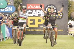 Leaders move clear ahead of final Epic charge