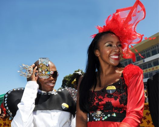 CAPE TOWN, SOUTH AFRICA - 29 January 2011: Somizi Mhlongo and Uyanda Mbuli at the 2011 J&B Met held at the Kenilworth Race course in Cape Town, South Africa on 29 January 2011. (Photo by Gallo Images/Foto24/Yunus Mohamed)
