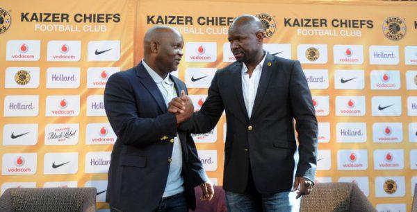 Pitso Mosimane, coach of Mamelosi Sundowns and Steve Komphela, coach of Kaizer Chiefs (Sydney Mahlangu/BackpagePix)