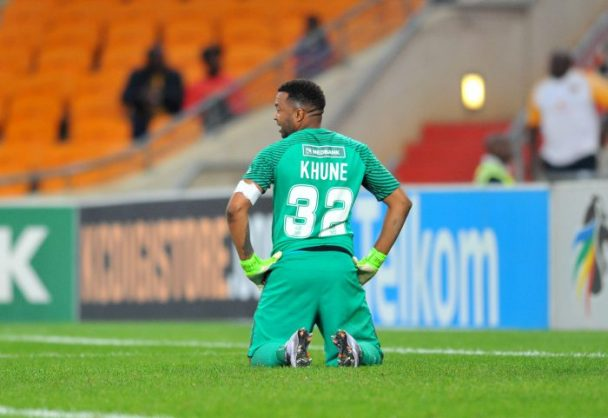 Itumeleng Khune reacts in disappointment during the Nedbank Cup match between Kaizer Chiefs and Supersport United at the FNB Stadium. (Samuel Shivambu/BackpagePix)