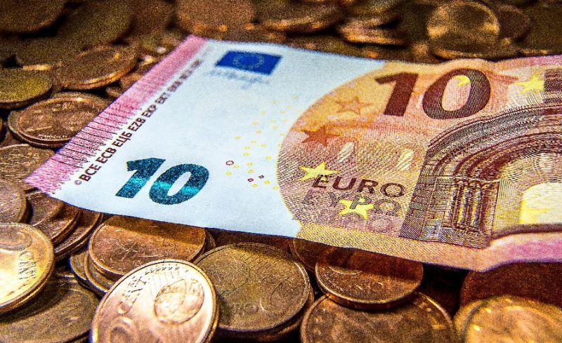 UK paying in euros