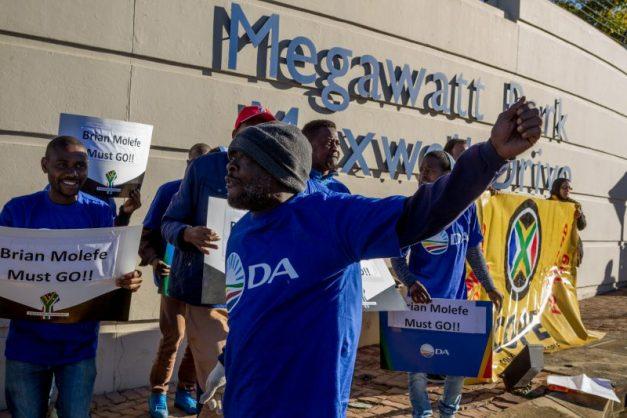 GALLERY: DA, Cope protest outside Megawatt Park as Brian Molefe reports for duty