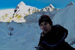 Nepal lets Everest permit dodger off $22 000 fine