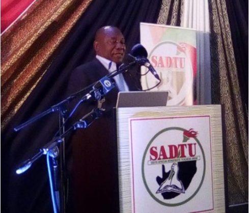 DA accuses Ramaphosa of reckless politicking with Sadtu praise