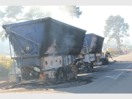 The second truck that was burned during the rioting. Photo: Sonwabile Antonie