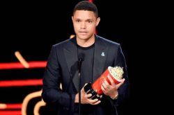 Trevor Noah to present at the Oscars