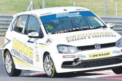 Arangies burns up Zwartkops