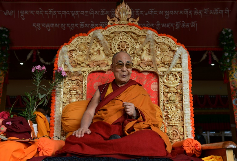 the dalai lama and tibetan independence First off, most westerners do not care about tibetan independence the one's that do are generally buddhist, or are sympathetic to buddhism, or otherwise identify with dalai lama's rhetoric about peace, love, and understanding.