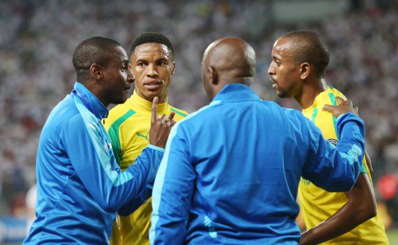 Pitso Mosimane and Rhulani Mokoena instructs Thabo Nthethe and Tiyani  Mabunda. (Gavin Barker/BackpagePix)