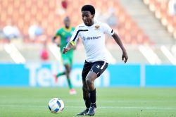 Chiefs close in on Leopards star
