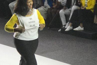 WATCH: Thuli Madonsela and Lindiwe Mazibuko strut their stuff at fashion week