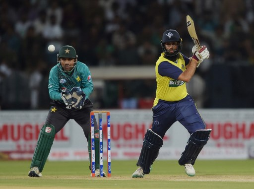 Hashim Amla showed again why he's regarded as one of the best in the world, combining superbly with Sri Lanka's Thisara Perera. Photo: Aamir Qureshi/AFP.