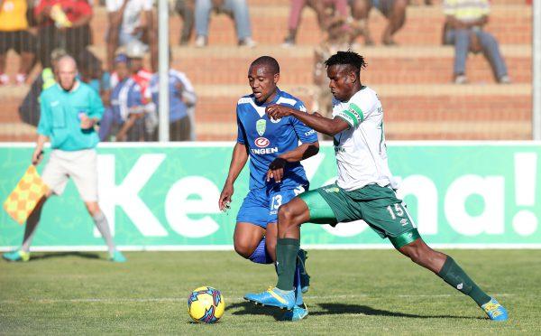 Thuso Phala of Supersport United challenged by Kamogelo Mogotlane of Ke Yona Team. (Muzi Ntombela/BackpagePix)