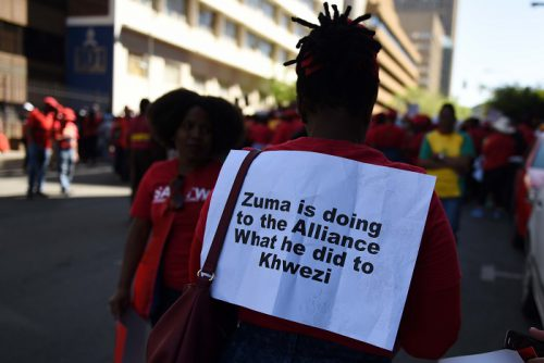 A march by COSATU in Johannesburg, 27 September 2017. They marched in Johannesburg as part of their national strike and handed over memorandums to the City of Joburg, FNB, the Gauteng Premier and the Chamber of Mines. Picture Neil McCartney