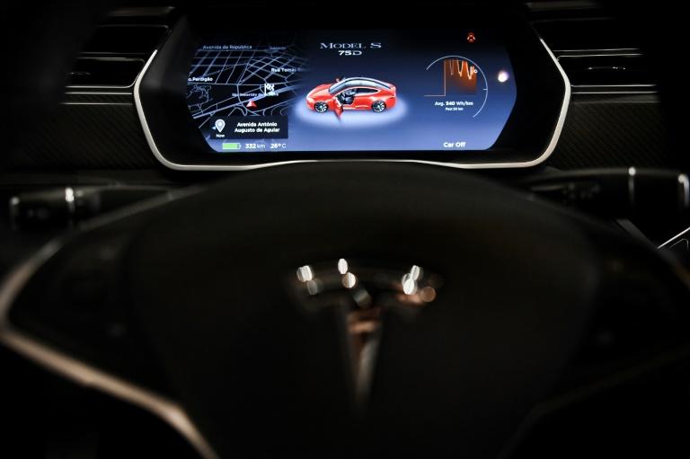 'System safeguards' lacking in Tesla crash on autopilot -US NTSB