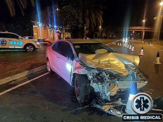 Three injured as car smashes into Durban roadblock