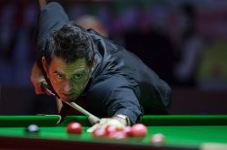 WATCH: Sport streaking of a different kind … at a snooker table!