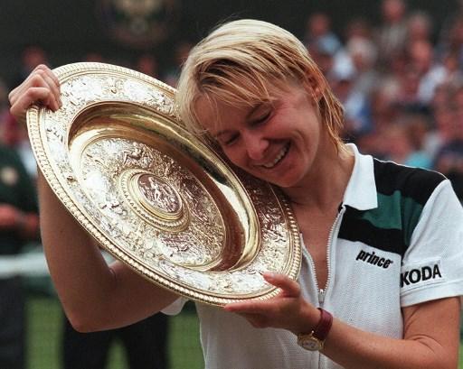 Former Wimbledon champion Jana Novotna has died, aged 49