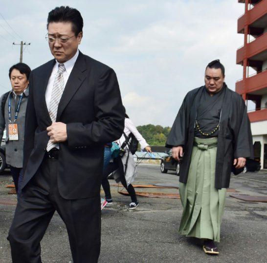 Yokozuna Harumafuji suspected of assaulting fellow wrestler with beer bottle