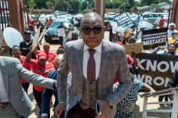 Mduduzi Manana replaced by a woman in parliament