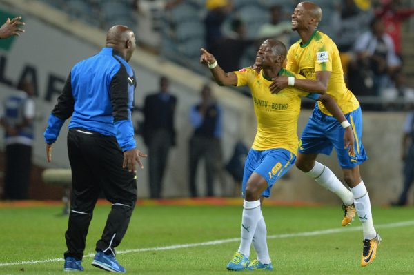 Pitso Mosimane (Coach), Hlompho Kekana and Tebogo Langerman celebrate a goal (Photo by Lefty Shivambu/Gallo Images)