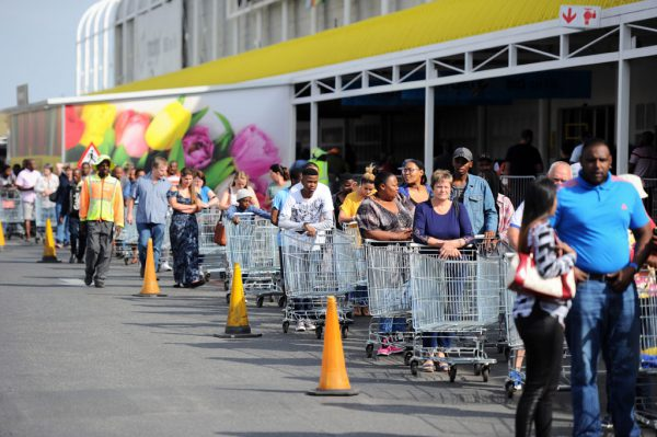 Shoppers queue outside as they prepare to take advantage of Black Friday specials, 24 November 2017, at the Makro store in Strubens Valley in Roodepoort. Picture: Michel Bega