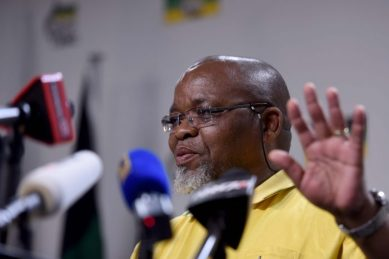 Mantashe confirms 384 Covid-19 cases in mining industry